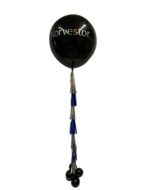 Svart Jumbo Ballong: Sølv & Blå Papir Tassels