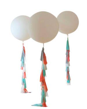 Jumbo ballong: Tassel it up