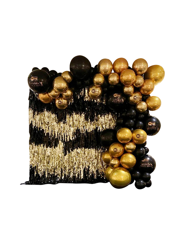 Svart & Gull backdrop: med orbz og tassels